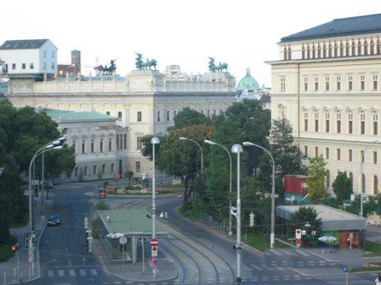 Hotel Atlas: Вид из окна.