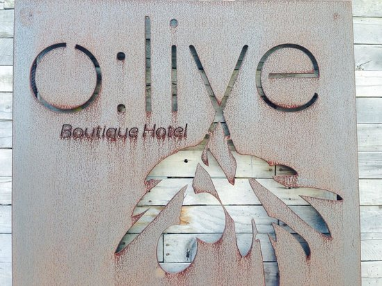 Olive Boutique Hotel: Cute sign at valet