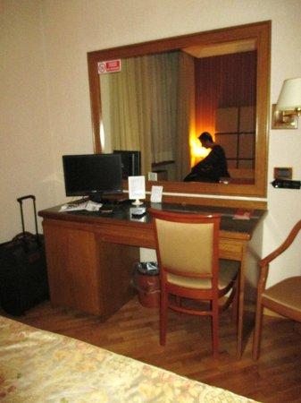 Hotel Giolli Nazionale: Stanza