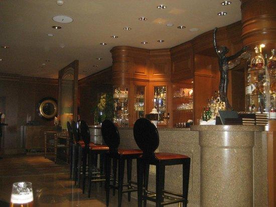 Four Seasons Hotel Prague: le bar