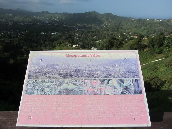 Mesopotamia Valley : Sign at the Belmont Lookout showing valley cross section and crops grown