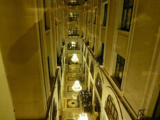 Legacy Ottoman Hotel: エレベーターホールからの眺め