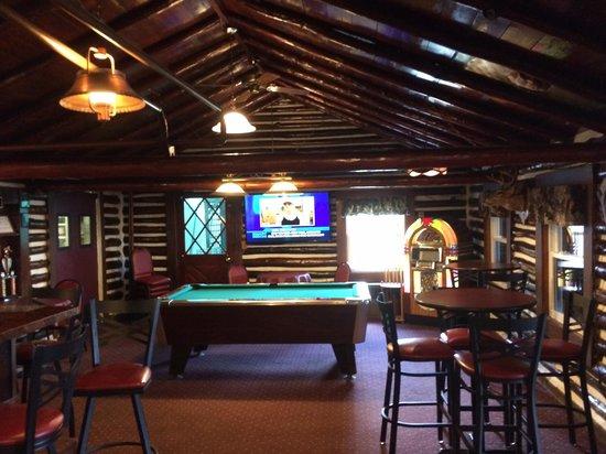 Lewiston Lodge: Bar area