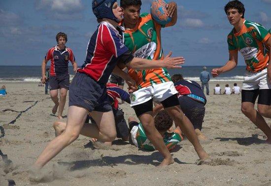 Hoek van Holland beach: Het mooiste strand van Nederland schoon gezellige en ook een sport strand.