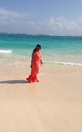 Memories Splash Punta Cana : walking on the beach