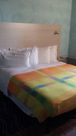 Hotel Le Capanne: Letto camera 4