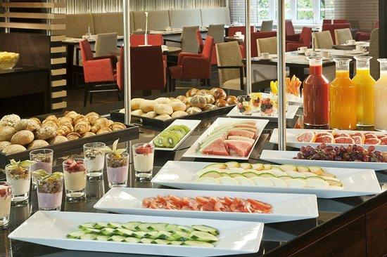 NH Berlin Kurfürstendamm : Buffet breakfast