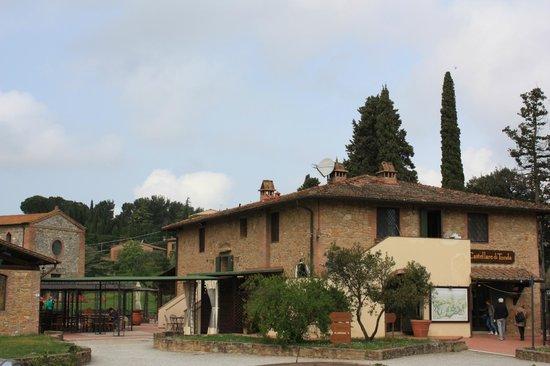 Castellare di Tonda Resort & Spa: reception e ristorante