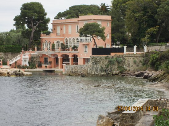 Hotel Villa La Tour : Davis Nivens old home cap Farrat