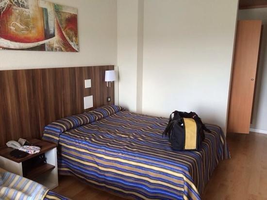 Golden Donaire Beach Hotel: habitación