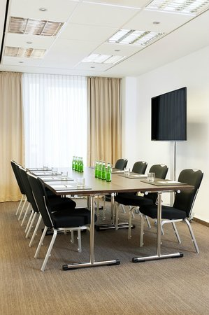 NH Collection Berlin Mitte am Checkpoint Charlie: Meeting room Theodor Heuss