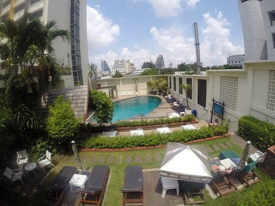Narai Hotel Pool Area