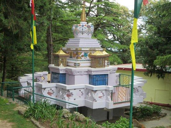 Tushita Meditation Centre : Stupa