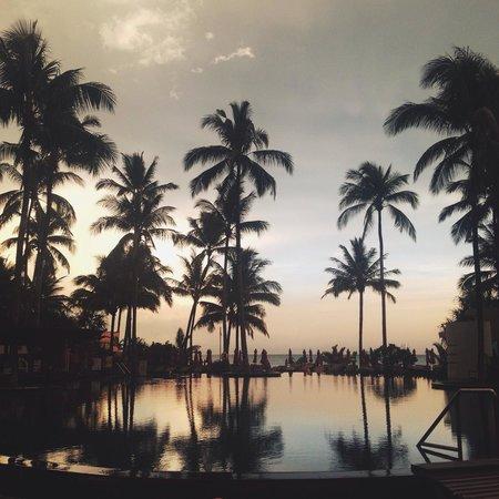 Ramada Khao Lak Resort: Evening pool view