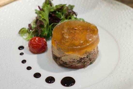 Nougat de queu de boeuf au foie gras picture of le for Cuisine moleculaire