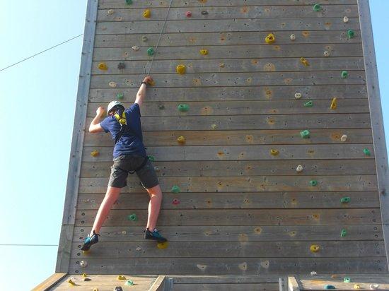 Creepy Valley Adventure Centre: Climbing & Abseiling