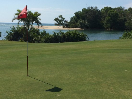 Dalit Bay Golf & Country Club : Golf course hole #11