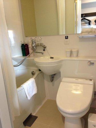 APA Hotel Shibuya Dogenzakaue: Bathroom