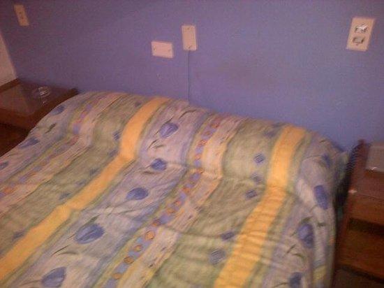 Hotel Felipe II: cama vieja y pequeña