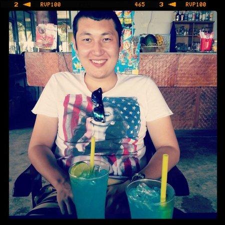 Thong Takhian Beach (Silver Beach): пьем Blue Lagoon