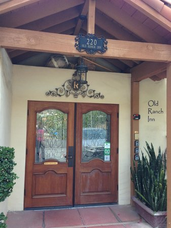 Old Ranch Inn : Entrance - doors open to a beautiful courtyard