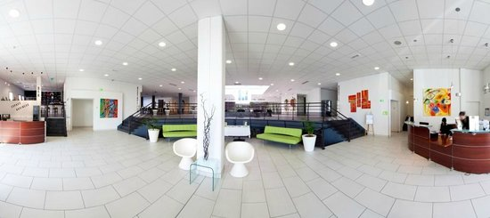 Quality Suites Nantes Beaujoire : Lobby