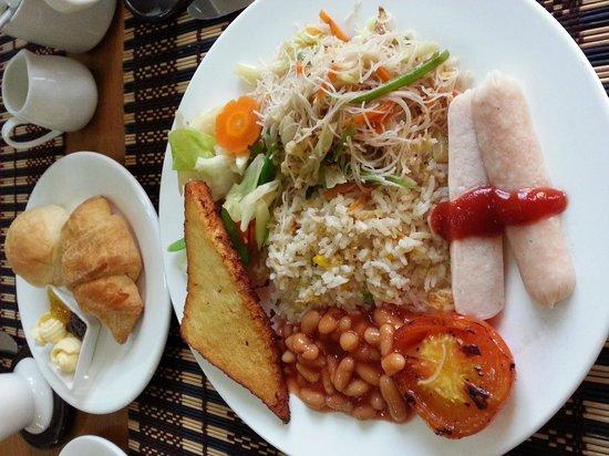 Smart Hotel : buffet style breakfast