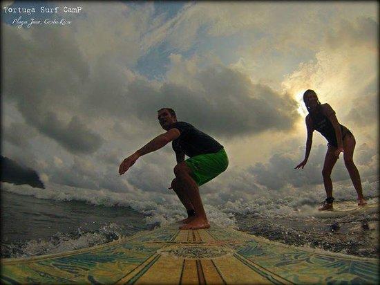 Tortuga Surf School: Couple shot