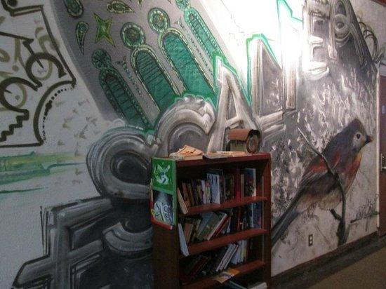 Alexandrie Hostel : bibliothèque