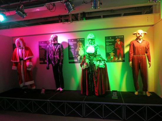 Spaceport: Lifesize display of costumes