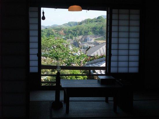 Shiga Naoya Former House : 邸宅内からの街の眺め