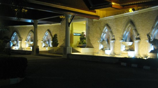 Deevana Patong Resort & Spa : Hotel Entrance