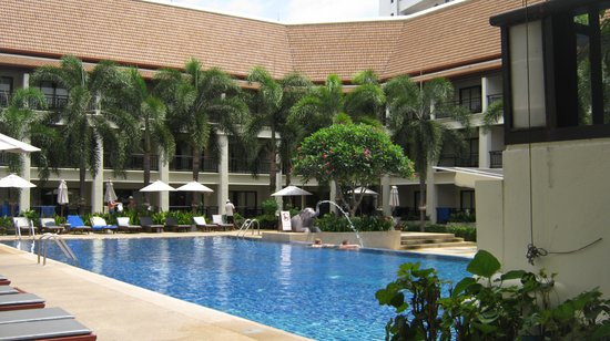 Deevana Patong Resort & Spa : Main pool
