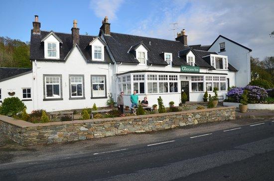 The Creggans Inn : Front