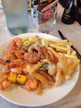 Il Gusto Restaurant : Qualche pietanza del ricco buffet