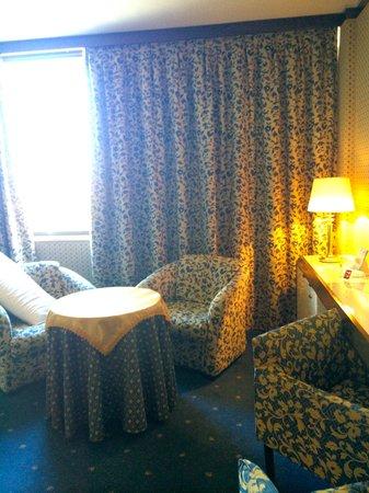 Hotel Ariston: The room