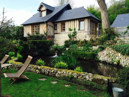 Auberge de la Source - Hotel de Charme: Vue jardin