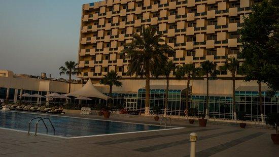 Doha Marriott Hotel : Pool area