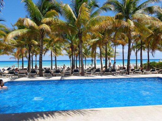 Hotel Riu Lupita: tres belle plage!