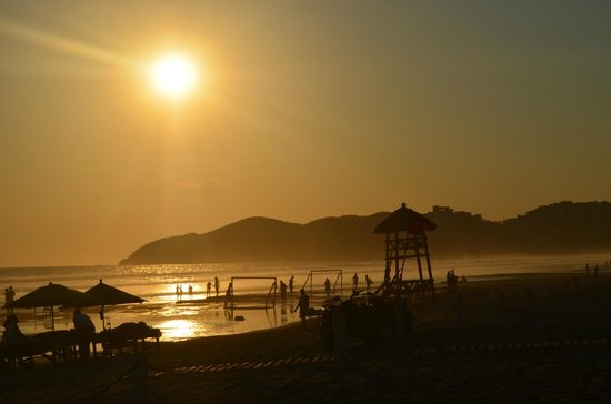 The Grand Mayan Acapulco: sunset... by the beach