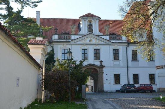 Questenberk : Abby building at hotel