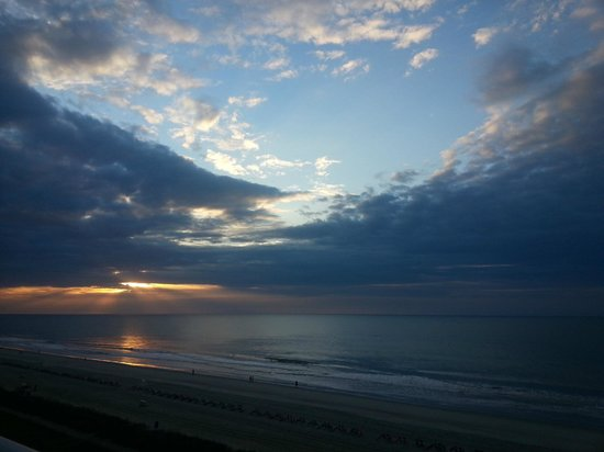 Camelot by the Sea, Oceana Resorts: View of the morning sunrise from our balcony
