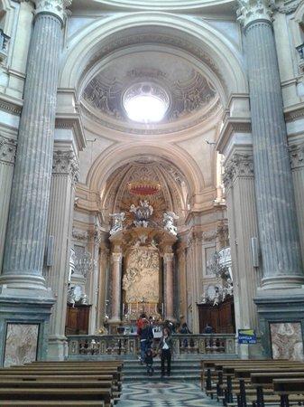 Basilica di Superga : L'altare