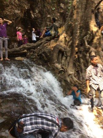 Hampshire Falls and Caves (Pwe Kauk): Pwe Kauk