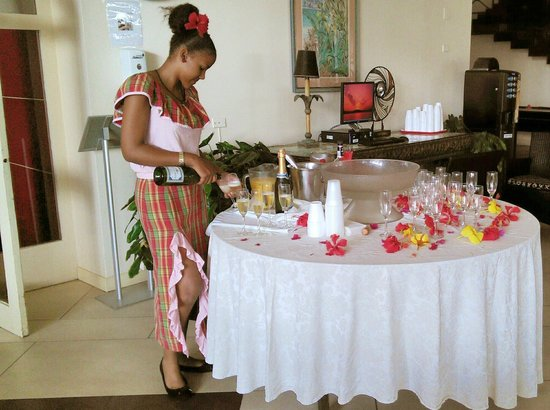 Sonesta Maho Beach Resort, Casino & Spa : Thaimi, the young, warm and attentive hotess