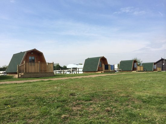 Lee Valley Camping and Caravan Park, Edmonton : View from campsite