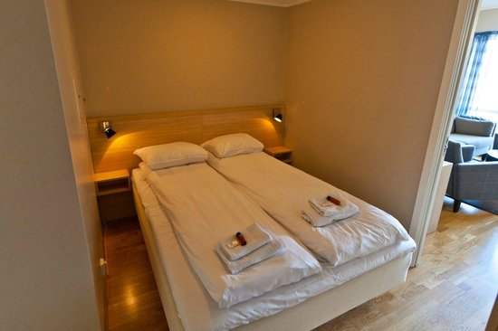Kjerringoy Bryggehotell: Hotellrom