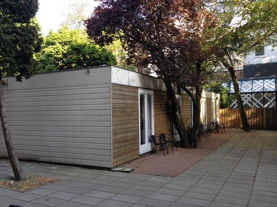 Hotel Vossius Vondelpark: Hotel Vossius backyard rooms