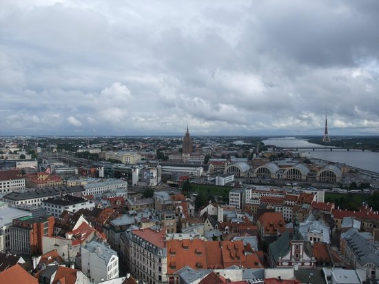 View of Riga from St Peter's Church Tower: リガを見渡せ!