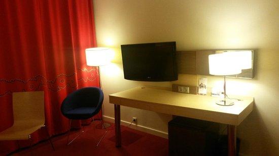 Park Inn By Radisson Pulkovskaya: Дизайнерская легкая приятная мебель